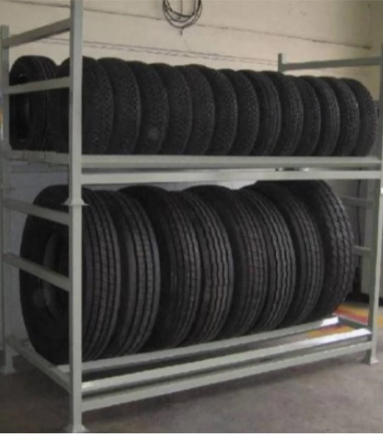 Expositor de pneus