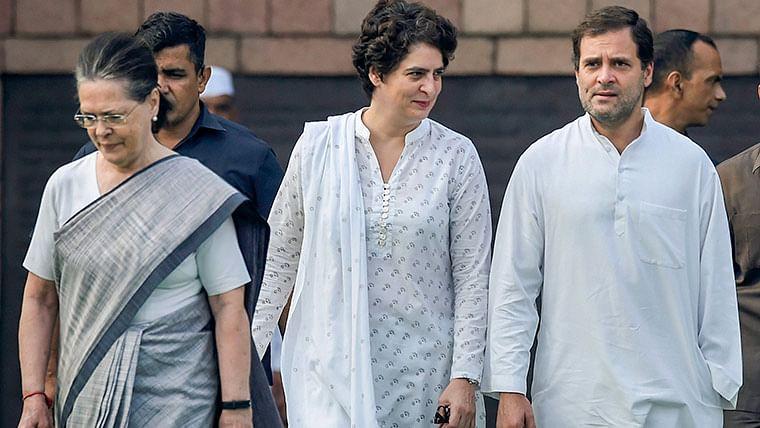 क्या राहुल संभालेंगे पार्टी की कमान या दिखेगा कोई नया चेहरा? पढ़िए क्या चाहती है सोनिया