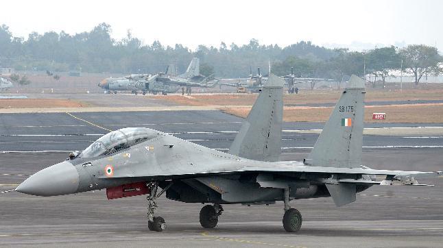 India Vs China: वायु सेना उड़ाएगी चीन की धज्जिया, वायुसेना चीफ ने किया लेह और श्रीनगर एयरबेस का दौरा.
