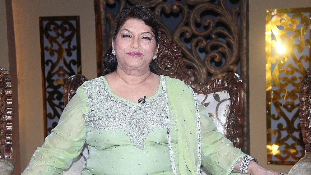 Saroj Khan: नही रही मशहूर कोरियोग्राफर सरोज खान, 71 की उम्र में हार्ट अटैक से निधन.