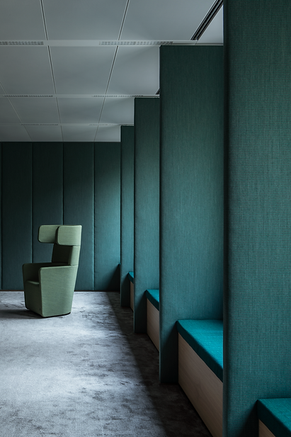 ocean green upholstery, unity of the space, division and unification in interior design, light and softness