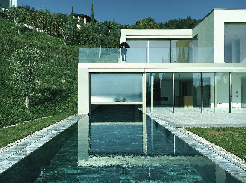 Harmonisierte Beziehung zwischen dem Haus und seiner Umgebung