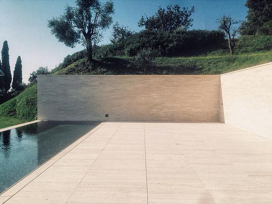 Schwimmbad auf der Terrasse
