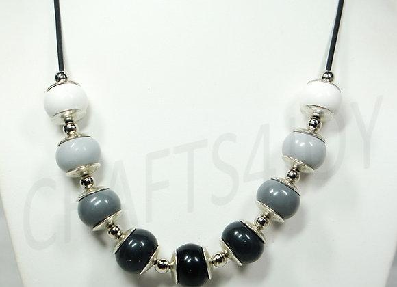 Necklace #008, Item N-008