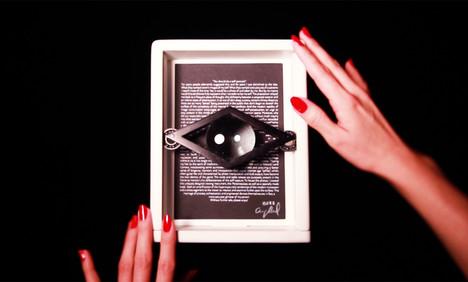 the-personascope-flip-hands.jpg