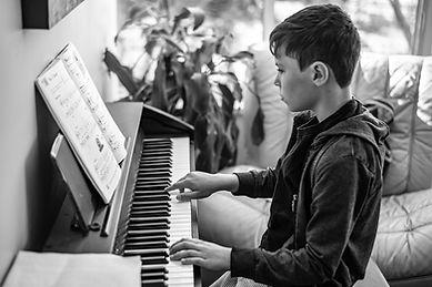 piano-lesson-4622218_960_720.jpg