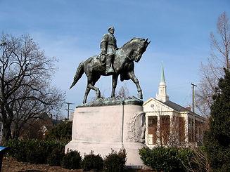 Lee_Park,_Charlottesville,_VA.jpg