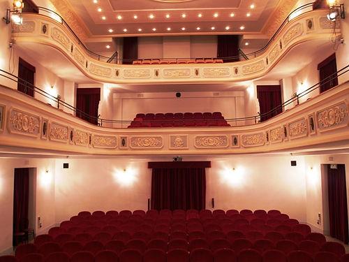 teatro-comunale-pratola2.jpg
