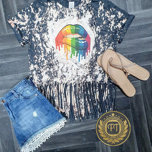 Rainbow lips - Distressed Fringe T-Shirt