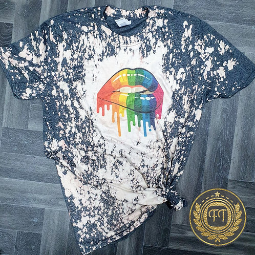 Rainbow lips - Distressed T-Shirt