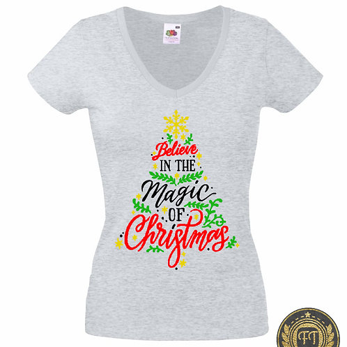 Ladies - Believe in the magic of Christmas - V Neck Tshirt