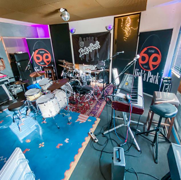 Backstage-26.jpg