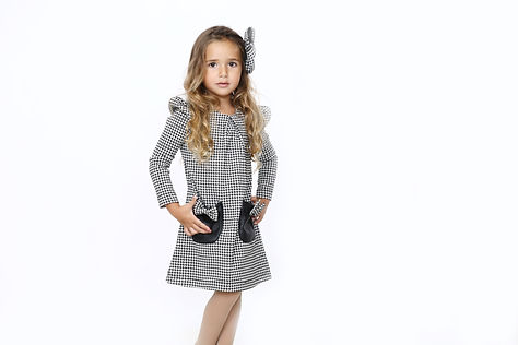 שמלת מייגן פפיטה שחור לבן