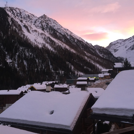 Slopes, raclette, community and remote work.