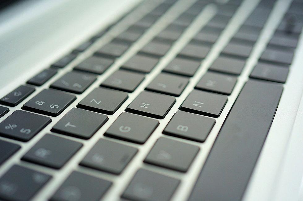 keyboard-6105750_1920.jpg