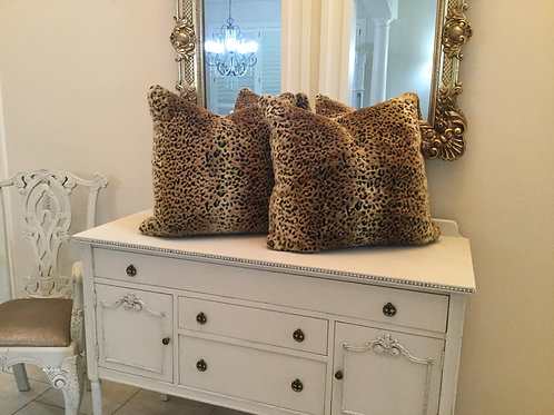 "PILLOWS - 24"" Leopard"
