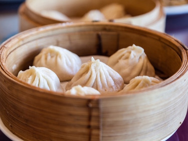 Burghers, dim sum, and... Chapter 9