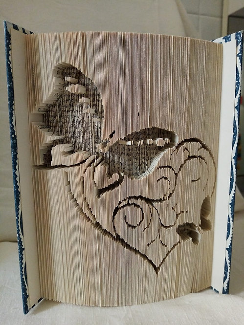 Nr. 4 - Immagine incisa a mano su libro