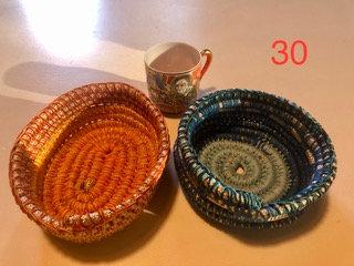 Nr. 30 Piccole ciotoline in corda e cotone lavorate all'uncinetto.
