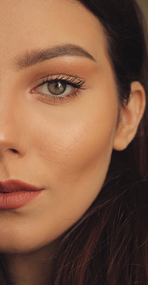 close-up-photo-of-woman-s-face-3922292.j