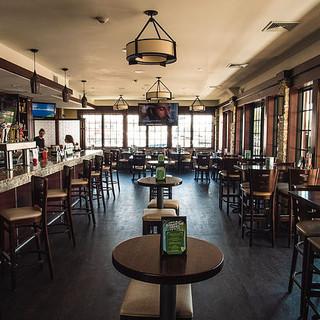 Elliots on the Mile Bar