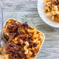 pulled-pork-mac-and-cheese-overhead-e152