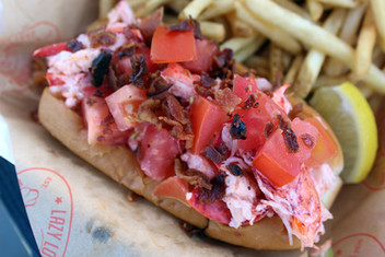 Lazy Lobster Rock Lobster Roll 6.jpg