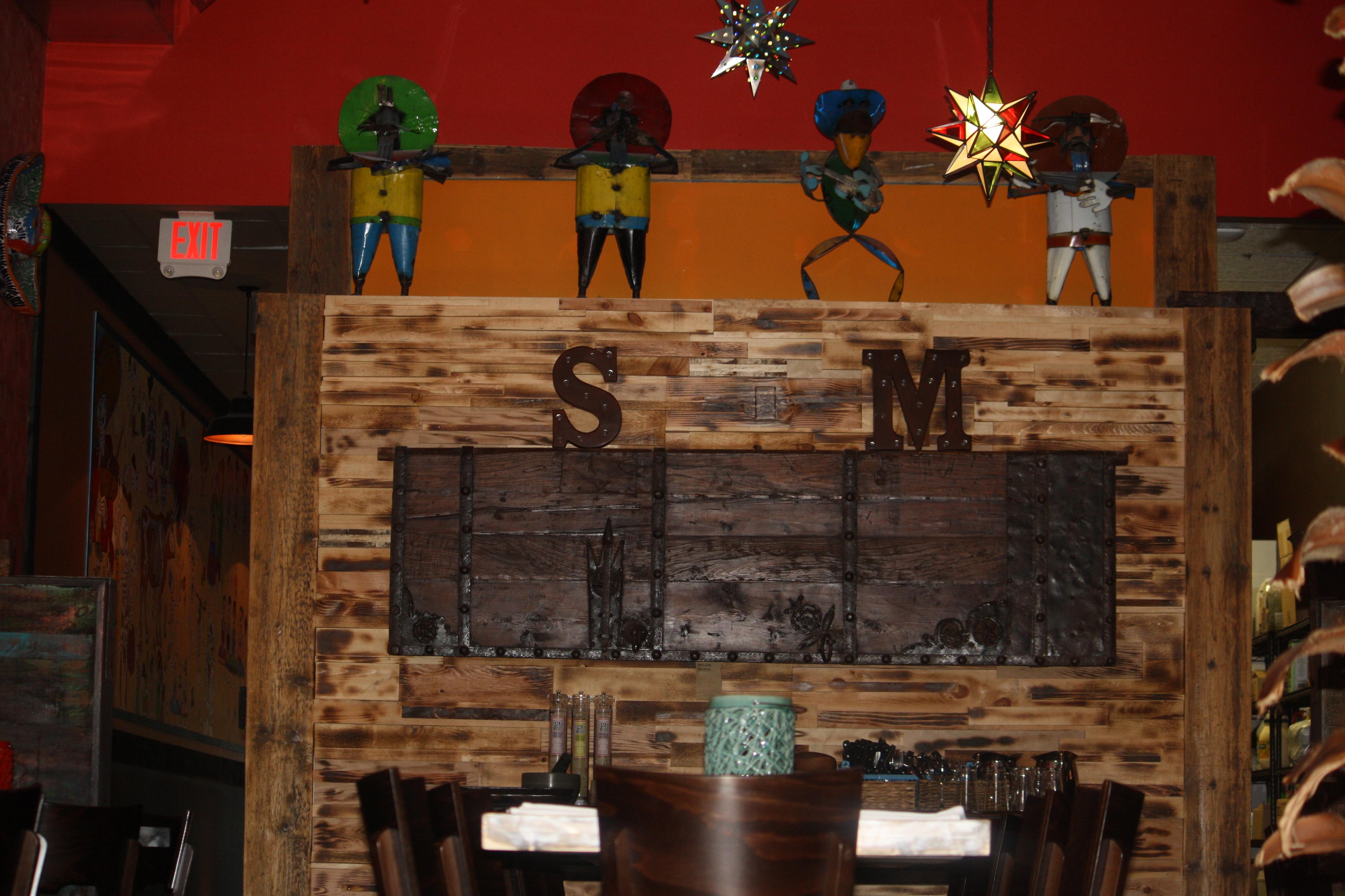 Salsa Mexicana dining room