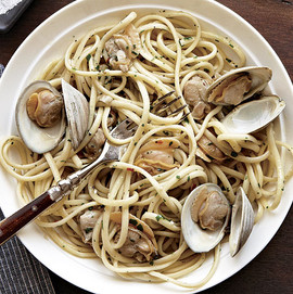 051130030-01-linguine-clam-sauce-recipe-