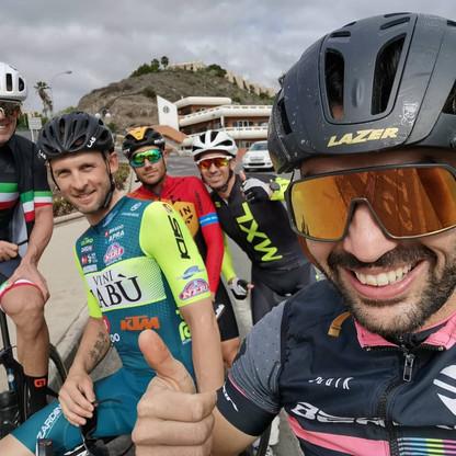 con Mario Cipollini, Marco Frapporti, Damiano Caruso