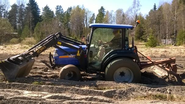 Tor ja traktori.jpg