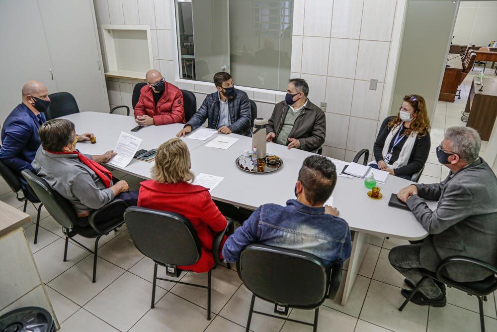 A intenção da visita aos legisladores nova-petropolitanos foi promover ideias de ações regionais em benefício às comunidades de Gramado e de Nova Petrópolis.