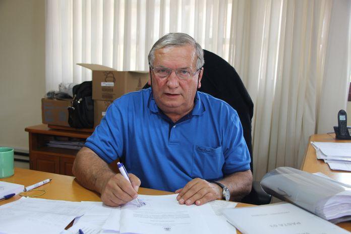 O prefeito Constantino Orsolin (FOTO) assinou o termo de cooperação que tem como objetivo eliminar riscos à rede elétrica e à população, mantendo a sustentabilidade ambiental.