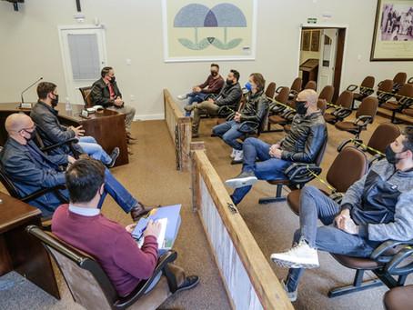 Frente Parlamentar ouve demandas de músicos que atuam no comércio e profissionais de turismo