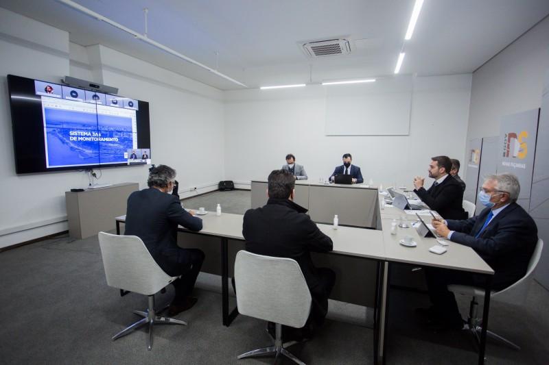Governador anunciou novo sistema de monitoramento da pandemia em reunião presencial com participações por videoconferência (FOTO). Com novo site já no ar, o Sistema 3As começa a valer a partir das 0h de domingo, dia 16 de maio.
