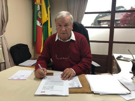 Prefeitura de Canela pagou a primeira parcela do 13º aos servidores na quinta-feira, 20 de maio