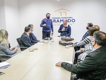 Câmara de Gramado troca experiências com três prefeitos do Estado