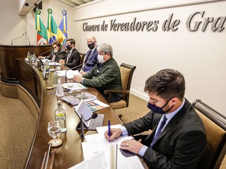 Sessão Ordinária da Câmara de Vereadores de Gramado, realizada na segunda-feira, 10 de maio de 2021