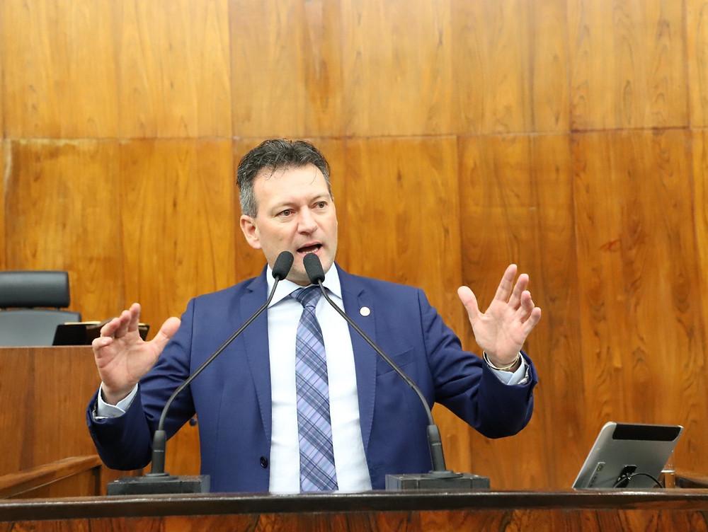 """""""A Fante é um exemplo para o Rio Grande que produz, gerando centenas de emprego e promovendo renda para a economia do estado e do nosso país"""", comenta o deputado Dalciso Oliveira (FOTO)."""