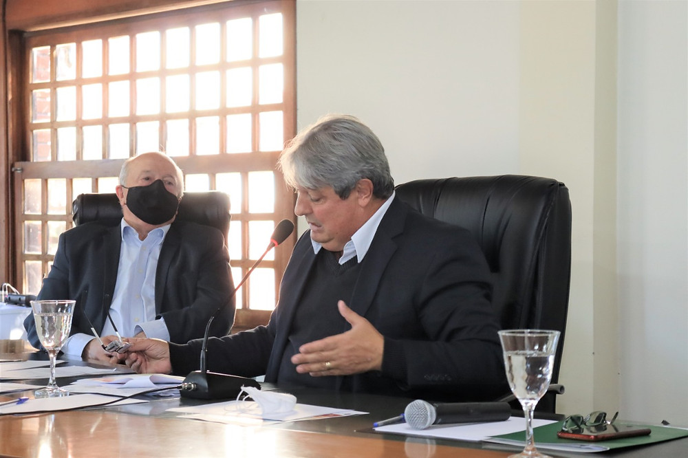 """Nestor (D) e Luia (FOTO): """"mais gestão e menos política"""". Se isso realmente acontecer, Gramado vai estar no rumo certo, diz o editor do Cidade de Gramado Online, Voltencir Fleck."""