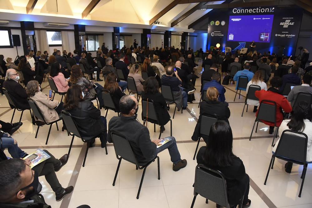 Na retomada dos eventos presenciais, cerca de 300 pessoas participaram da imersão em vendas