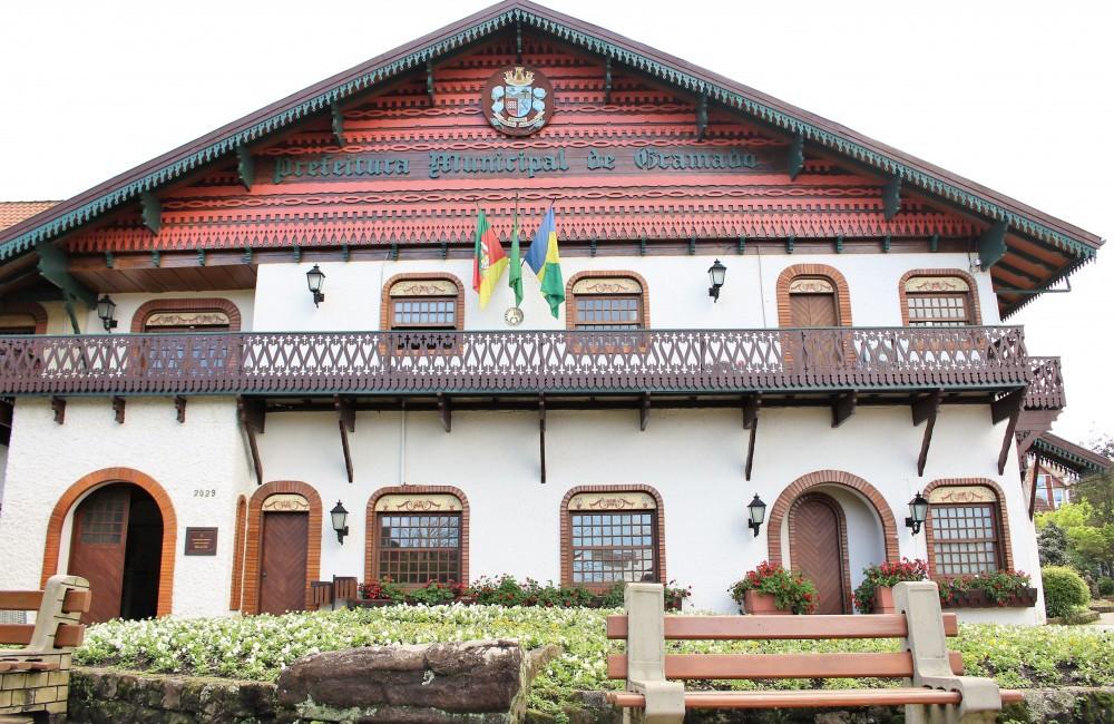 Serviços públicos do município como nas escolas de ensino fundamental, educação infantil e unidades de atendimento da Secretaria da Saúde não funcionarão.