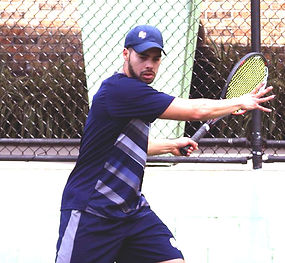 Gabriel Mendez hitting.JPG