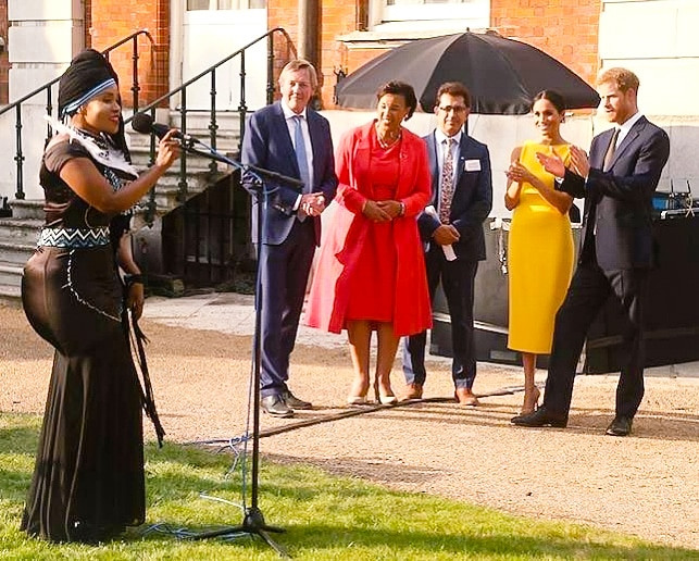 Lorraine Lionheart performs for royal family