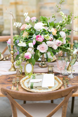 wild and whimsical table centre