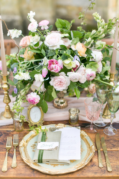 Antique Gold Table Place Setting with Spring Wildflower Foliage Centrepiece