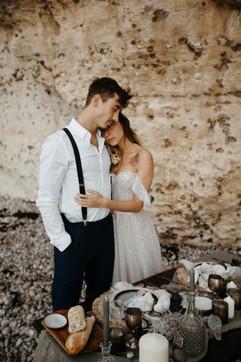 Beach elopement in France, destiantion wedding florist