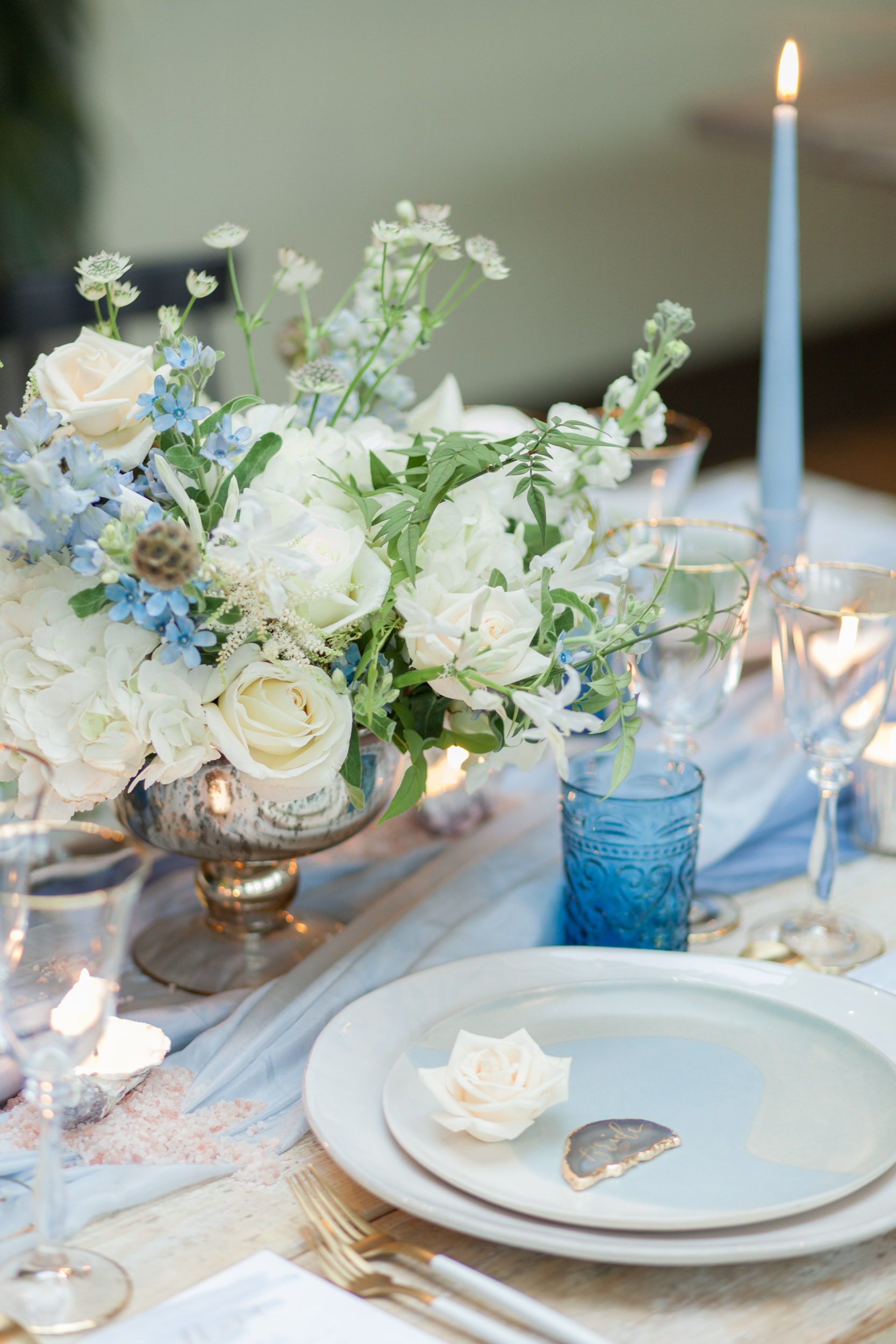 elegant wedding table flowers