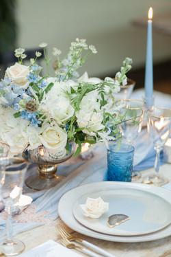 elegant wedding table flowers