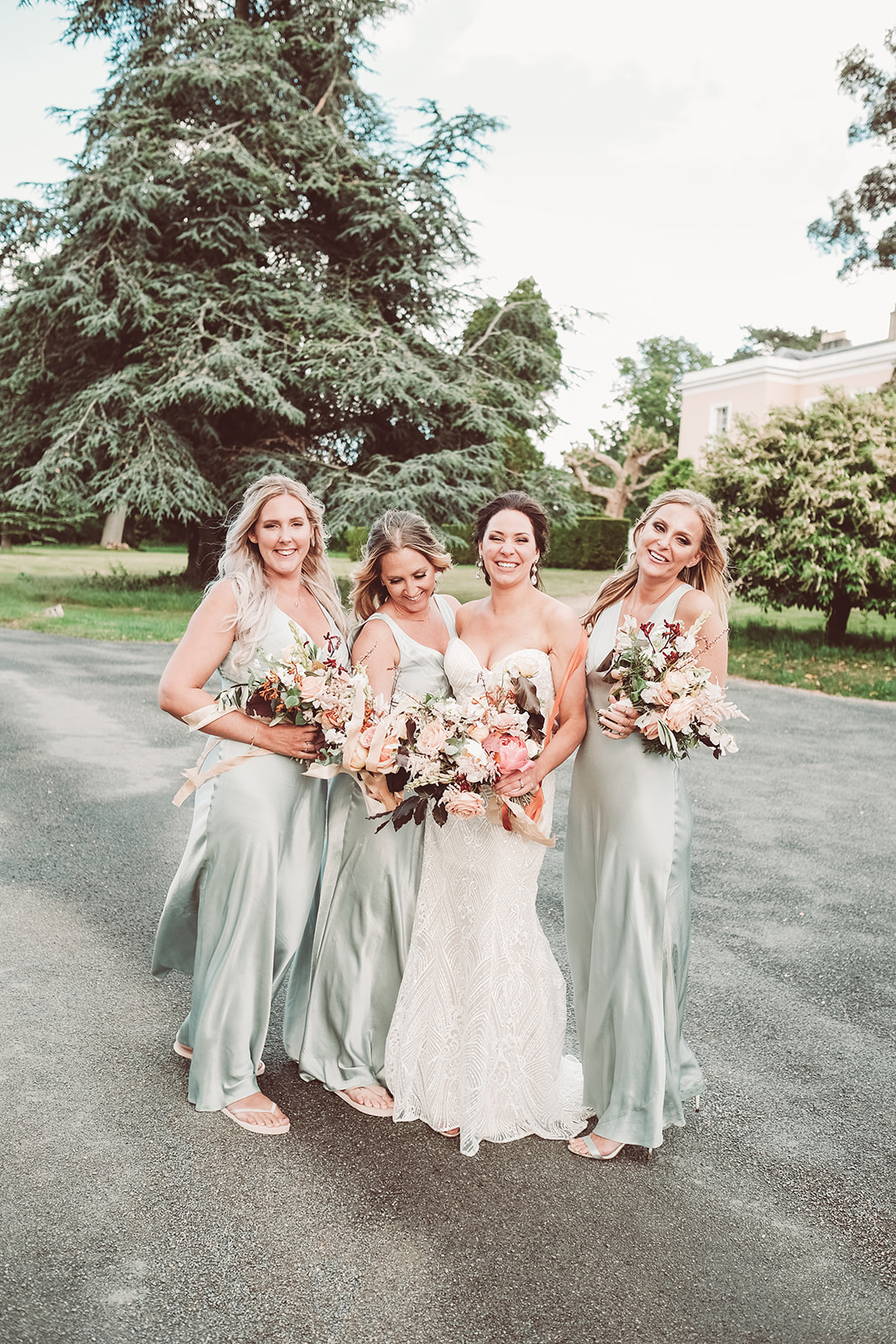 muted colour palette wedding bouquet